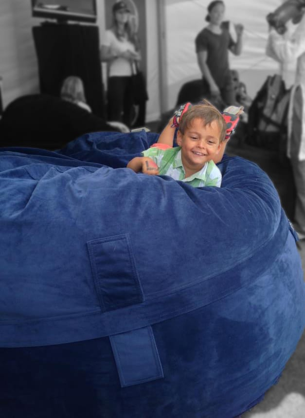 Child mondo blue foam bean bag